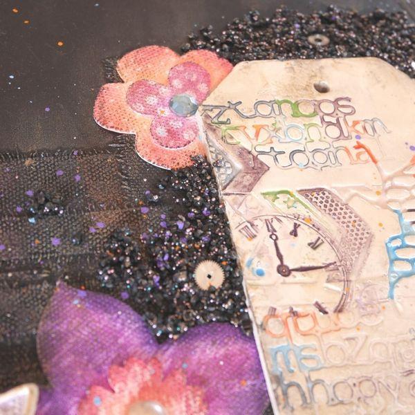 embellissement de terre&scrap sur une couverture d'art journal