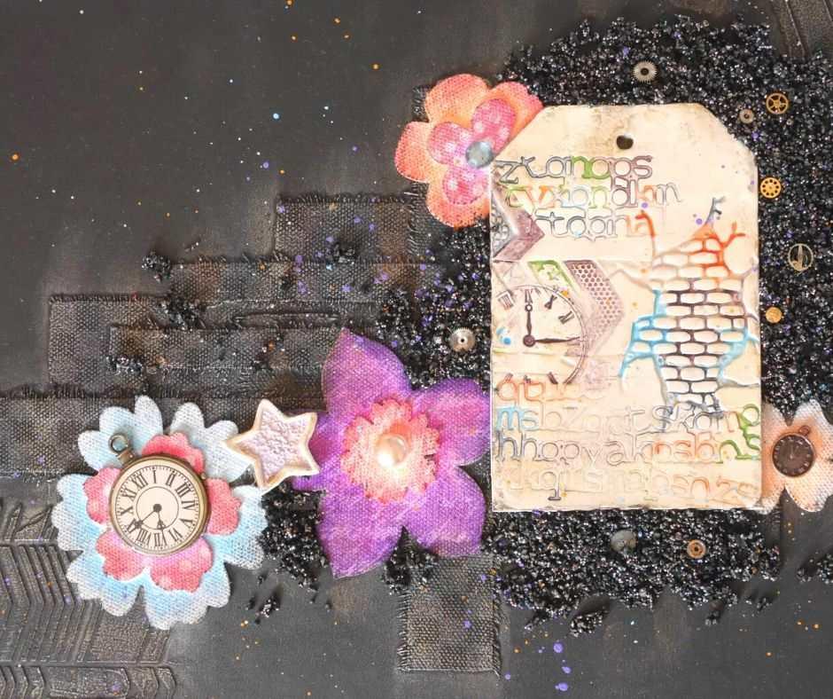 Couverture personnalisée d'un art journal avec collage, embellissements et peinture