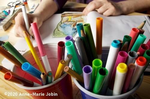 matériel et carnet pour le journal créatif